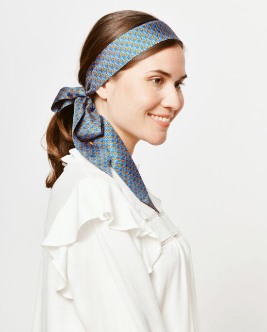 women with a blue hair tie