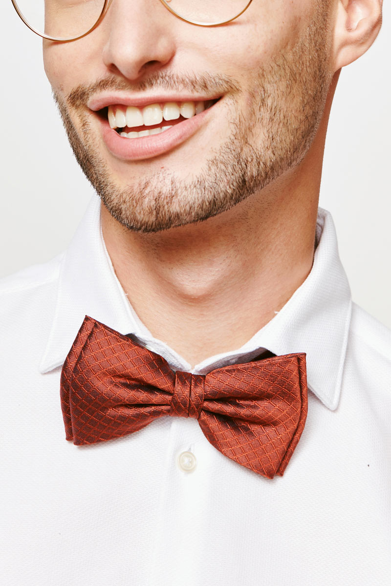 woven bow tie in rusty red for men