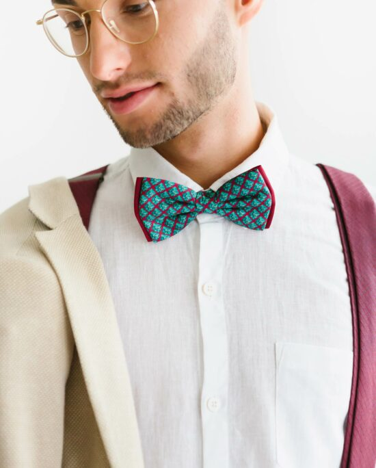 bow tie in bordeaux and blue for men