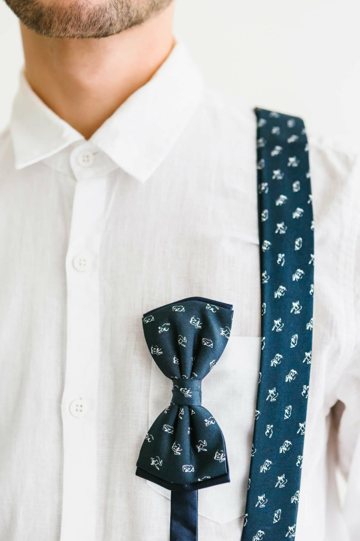 suspenders and bowtie in marine blue for men