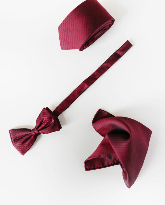 woven bow tie in bordeaux for men